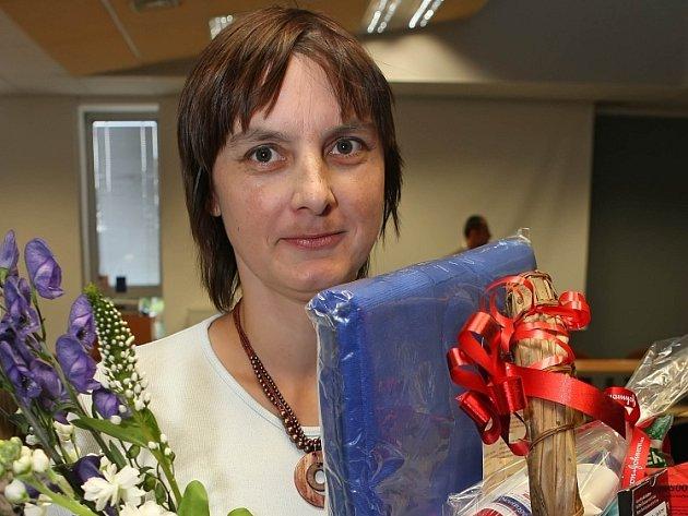 Šárka Jurková z očního oddělení zvítězila v prvním ročníku ankety o nejlepší zdravotní sestru jihlavské nemocnice.