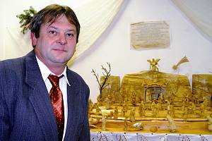 Miloš Křížek ze Sedlejova a jeho betlém