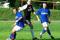 Fotbalisté Žďáru jsou ve formě. V divizi jsou druzí. (Foto ze zápasu s Pelhřimovem)