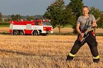 Zpívající hasič Jurič Pařil zažívá kvůli koronaviru nelehkou dobu, s muzikou ale nekončí.