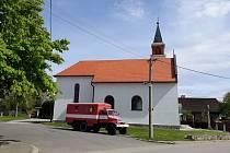 Sakrální stavby bývají v menších obcích dominantami a mají vždy nějaký příběh.