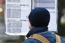 Řada vlakových a autobusových spojů na Vysočině se minimálně do konce nouzového stavu omezí. Ilustrační foto.