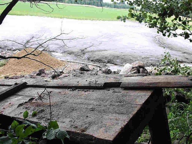 Černý rybník zůstal bez vody