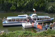 Lodní doprava na přehradě Dalešice.