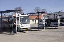 Telč plánuje přesunutí autobusového nádraží k vlakovému.
