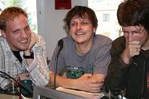 Ve čtvrtek ráno dorazili členové skupiny Chinaski do Hitrádia Vysočina, aby kromě přání k úterním 12. narozeninám stanice, pozvali hudební fanoušky na podzimní šňůru, která čítá celkem patnáct koncertů.