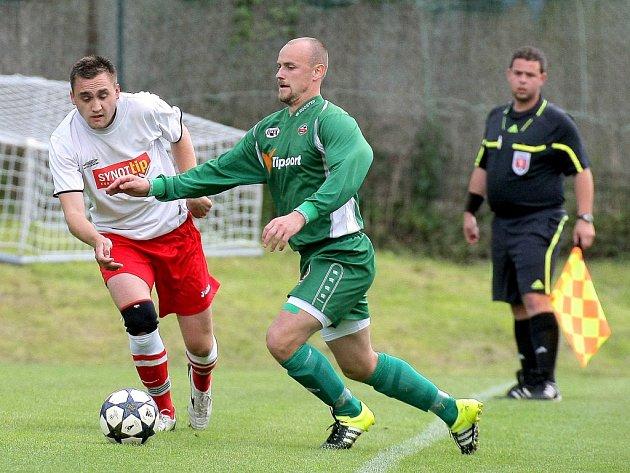 Kat. Rantířovský Michal Vacek (vpravo) měl lví podíl na záchraně. Náměšť sestřelil čtyřmi góly a jednou asistencí.
