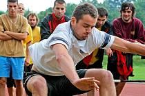 Jihlavský gólman Marek Benda se při závěrečných testech blýskl nejdelším skokem z místa (292 cm).