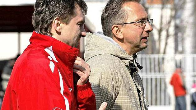 Třebíčské trenérské duo Antonín Salák, Libor Zelníček má po nevydařeném derby o čem přemýšlet.