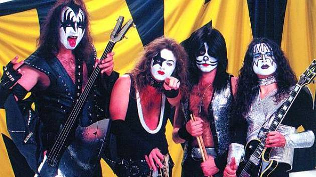 Kiss Revival