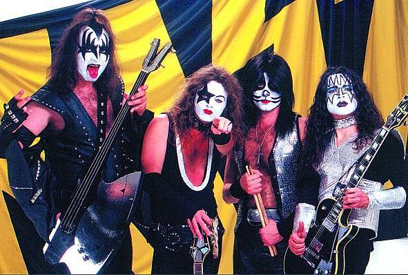 Kiss Revival
