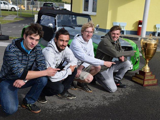 Studenti se s vozy Kaipan účastní i nejrůznějších soutěží a závodů.