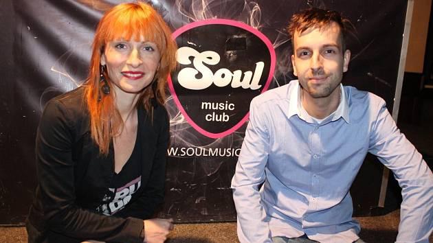 Soulaři, tak říkají provozovatelé jihlavského hudebního klubu Soul Andrea Warsztocká a Tomáš Procházka svým pravidelným návštěvníkům. Satisfakcí za tvrdou práci je jim pořádný mejdan a klub plný lidí.