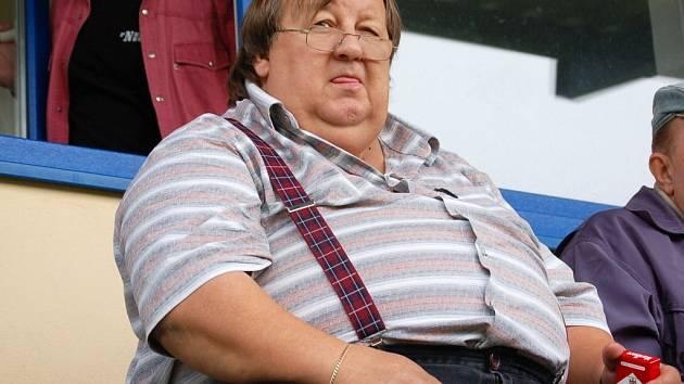 Zájem Rudolfa Baránka o humpolecký fotbal rozhodně není chvilkový. Už mnohokrát byl divákem v hledišti (snímek pochází z loňského srpna, kdy Humpolec hostil Ždírec).