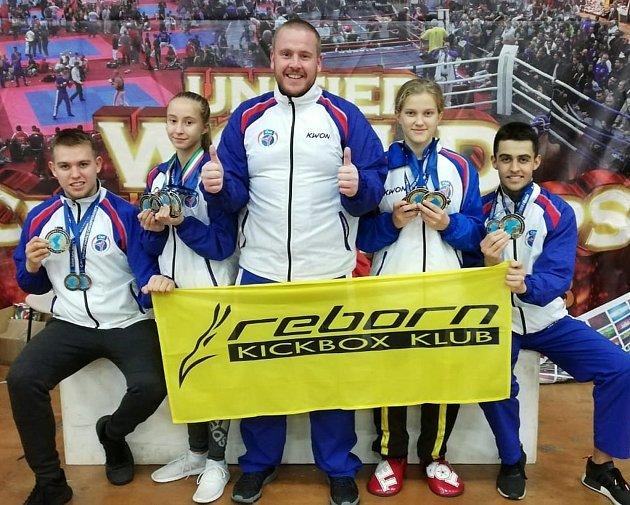 Členové Reborn klubu pod vedením Josefa Bílka přivezli zatím medaile zkaždého turnaje, kterého se zúčastnili.