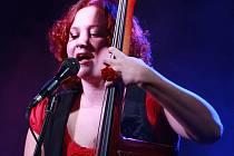 EPY DE MYE. Kapela složená z mladičkých muzikantů si získává stále větší popularitu mezi posluchači.