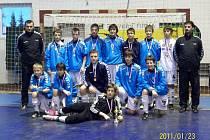Fotbaloví starší žáci FC Vysočina si ve Velkém Meziříčí pověsili na krk zlaté medaile.