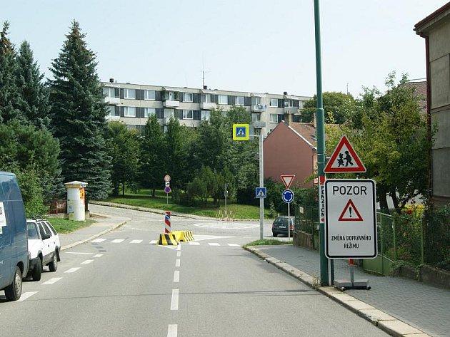 Nově upravená křižovatka v Jihlavě má být především bezpečnější.