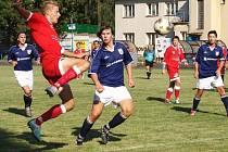 O lepší umístění. Batelov (v modrém) přivítá v posledním utkání sezony na domácím hřišti Křižanov, se kterým bojuje o lepší umístění.