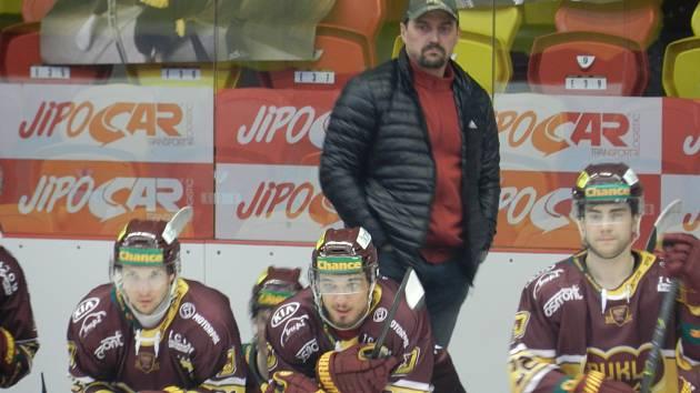 Viktor Ujčík je rád, že jeho tým sérii se Vsetínem zbytečně neprodlužoval.