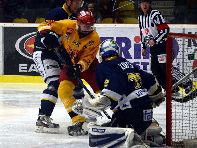 Už jenom vítězit musí jihlavští hokejisté v semifinále proti Ústí nad Labem. Po dvou výsledkově nevyvedených domácích zápasech jsou jedinou porážku od konce sezony.