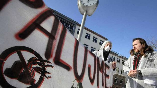 V lednu předminulého roku se před krajským úřadem v Jihlavě konal happening na protest proti spalovně.