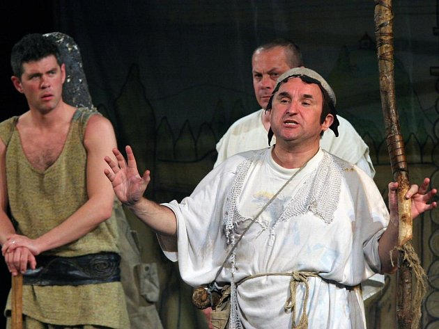 Divadelní veselohra Dívčí válka