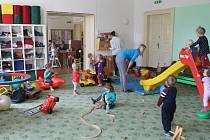 Mateřská centra na Vysočině navštěvují s dětmi především maminky. Ve výjimečných případech jejich služby ale využijí i tatínci, babičky a dědečkové. Většina center má své pravidelné programy. Nabízí ale i mnoho jiných aktivit.