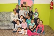 Ve Zhoři je letos třináct prvňáčků, celkový počet žáků se roky drží těsně nad stovkou.