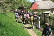 Pěšky Vysočinou. Už po patnácté se příznivci pěší chůze vydali na tradiční  dobronínský pochod.  Objevovat krásty Vysočiny vyšlo přes 160 lidí.