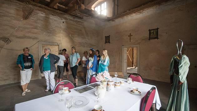 Úterý 13. června 2017 bylo pro žáky 1. – 5. třídy některých škol ve znamení školního výletu. Děti vyrazily například na Pohádkový výlet na zámek Brtnice, kde pro ně byl připraven celodenní zábavný program.