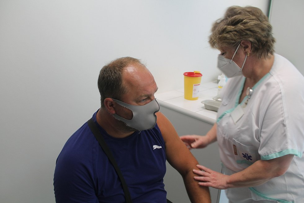 Zájem o očkování proti koronaviru byl v Jihlavě 27. července značný.