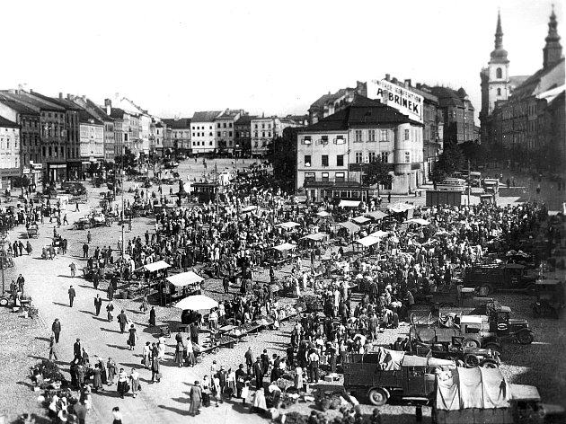 Trhy na jihlavském náměstí se těšily velké oblibě ještě za prvorepublikového Československa.