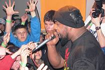 Hip hop v Dělnickém domě v Jihlavě. Nejdříve zahrála kapela Pio Squad a po ní nastoupilo duo Heltah Skeltah z USA.