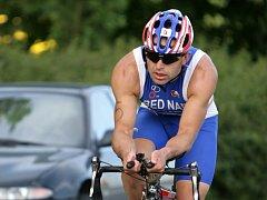 Tomáš Bednář má vždy silnou plaveckou část a většinou se u něj rozhoduje na kole. Jak zvládne v rakouském Salcburku prostřední disciplínu a dokáže atakovat místa v první desítce?