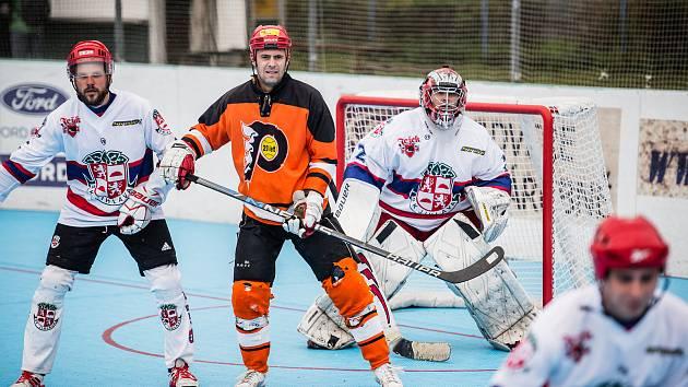 Hráče SK Jihlava B (v bílém) a HBC Flyers Jihlava čeká v sobotu už 27. městské derby.