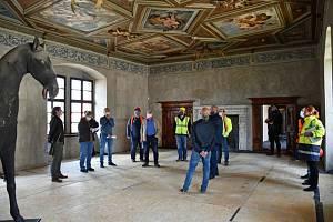 Opravy státního zámku Telč.