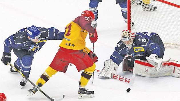 Jihlavští hokejisté v neděli odmítli konec sezony a vynutili si rozhodující sedmý zápas série. Ten odehrají proti kladenským Rytířům na vlastním stadionu.