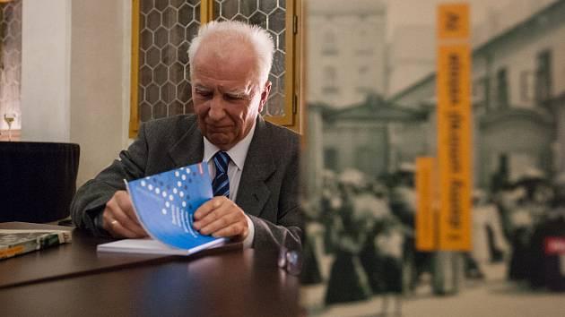 Ve Velké gotické síni jihlavské radnice spisovatel Ladislav Vilímek pokřtil své dvě nové knihy.