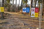 Vypuštěný Velký Pařezitý rybník - zákaz vstupu na staveniště.