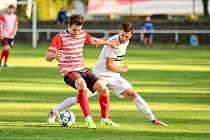 Fotbalisté Humpolce (v pruhovaném) jsou po dvou divizních kolech stoprocentní. Po úvodní domácí výhře 2:0 nad Velkou Bíteší totiž v neděli vyhráli v Polné 1:0.