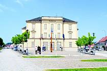 Škola v Třešti na náměstí po navrhované úpravě na radnici.