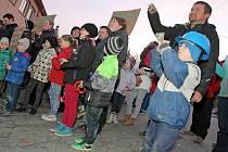 Těžbu nechtějí. Lidé v Brzkově protestují proti krokům, které jsou ve věci případného obnovení těžby uranu v dole, podnikány. S právním zástupcem proto vymýšlejí i protesty.