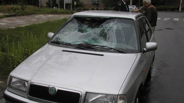Házenkářky na snídani nedošly. Včera ráno porazil řidič osobního auta dívku na přechodu v Havlíčkově Brodě. Masarykova ulice si tak připsala další černý vroubek.