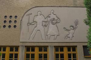 Budova kulturního domu v obci Mnich.