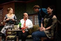 Horácké divadlo Jihlava uvede v sobotu večer premiéru komedie Rodina je základ státu, jejímž autorem je anglický dramatik Ray Cooney.