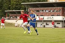 Jihlavská juniorka (v modrém) opět hraje divizi. Úvodní duel s Polnou vyhrála 3:1.