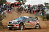 Martin Prokop i další jezdci se museli v Portugalsku vyrovnat s prachem, mlhou i rozbahněnými tratěmi. Na nestálost podmínek doplatila řada favoritů.