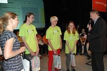 edním z porotců soutěže pro studenty byl mluvčí Jaderné elektrárny Dukovany Jiří Bezděk.