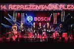 Čtrnáctý reprezentační ples firmy Bosch Diesel s.r.o. ve stylu 80. let přilákal v pátek 9. března více než čtyři stovky návštěvníků a řadu významných hostů.